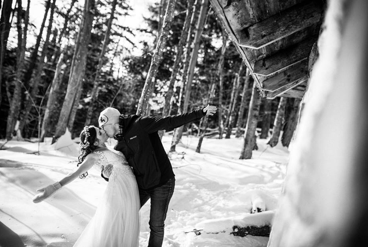 Snowy Kiss, Bride and Groom